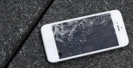 iPhone Ekran Kırıldı